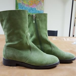 Unisa green suede boots